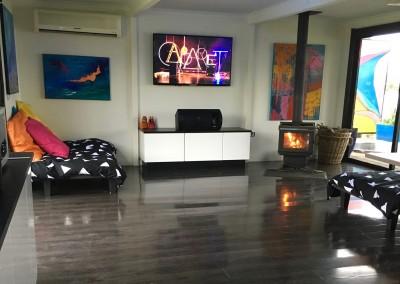 Lounge :Wood heater