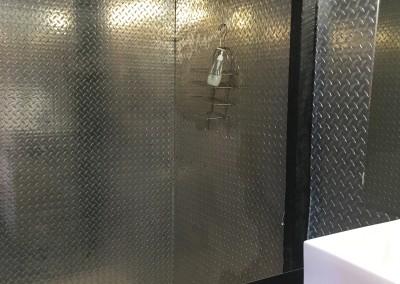 o:door bathroom